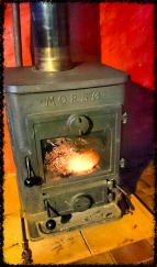 Feuer machen im Bothy by the Sea