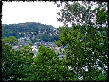 Blick von McCaig's Tower auf Oban