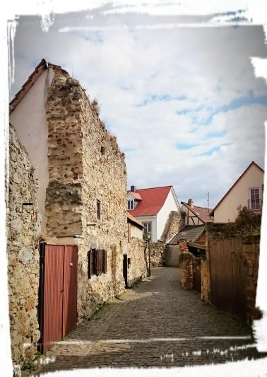 An der Stadtmauer I