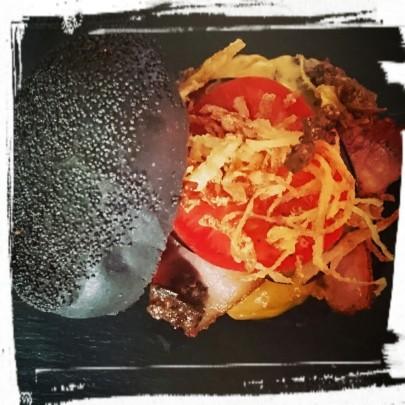 """""""Black & Spicy"""" Burger"""