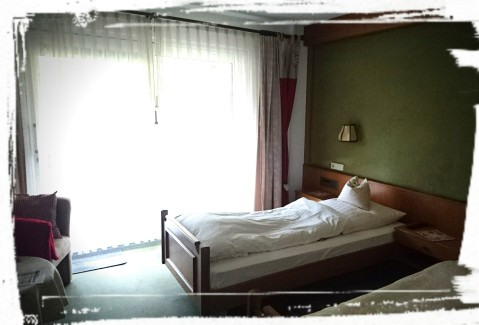 Zimmer mit Solo-Betten