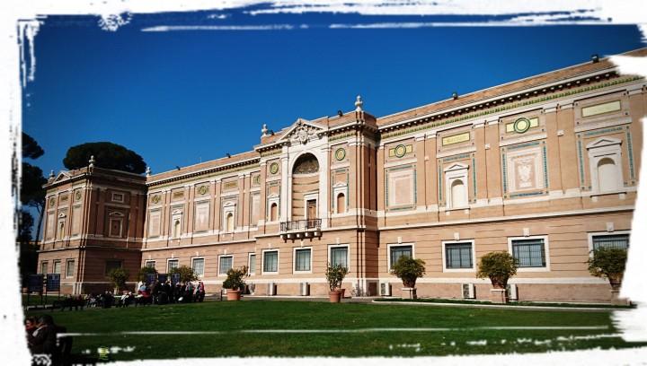 Im Park der Vatikanischen Museen