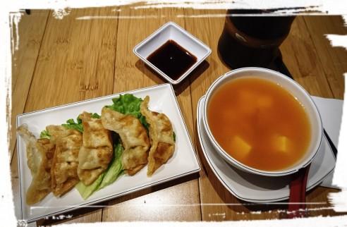 Gunmandu und Kimchi-Suppe
